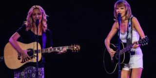 Phoebe & Taylor Swift's Smelly Cat